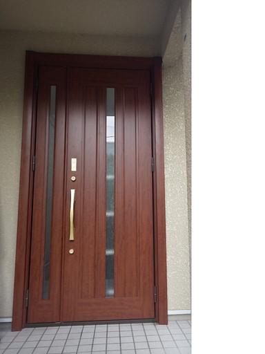 親子ドアで 使いやすい玄関へ /福岡市