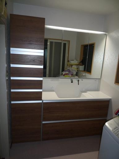 収納力抜群! 大きな鏡の洗面台 /福岡市