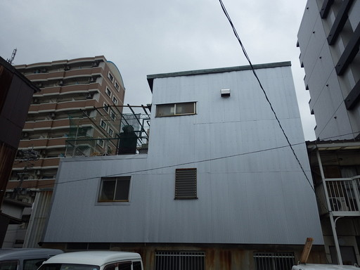 塩害に強い鋼板で、外壁リフォーム /福岡市