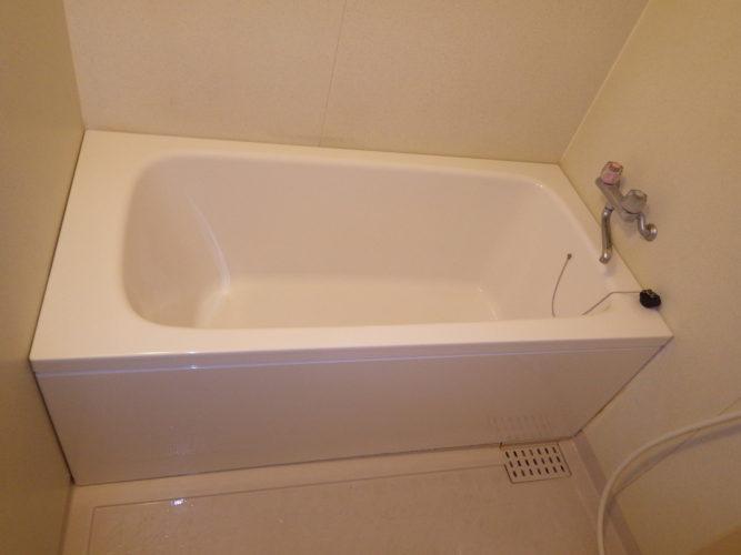 割れた浴槽を新品に取替 /志免町