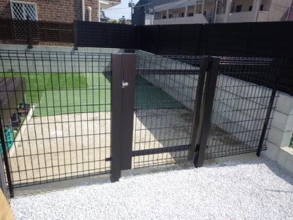 お庭に目隠しフェンスと侵入防止フェンス、門扉を取付 /志免町