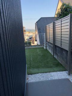 隣のお家との目隠しフェンスを新設 /志免町