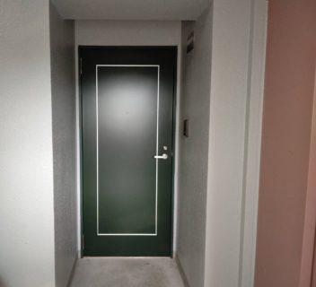 集合住宅の玄関ドア交換  /福岡市